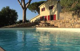 5 bedroom houses for sale in Castagneto Carducci. Villa – Castagneto Carducci, Tuscany, Italy