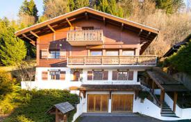 3 bedroom houses for sale in French Alps. View Megève and Jaillet
