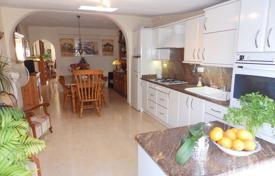 Cheap townhouses for sale in La Zenia. Townhouse of 3 bedrooms in Orihuela Costa