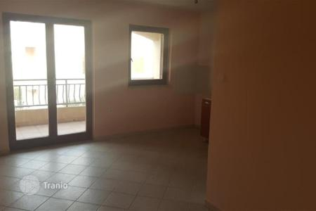 Cheap apartments for sale in Funtana. Apartment One bedroom apartment in Funtana con two terraces