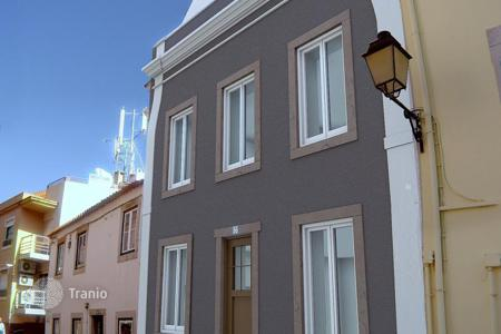 Residential for sale in Lisbon. Three storey villa in the historical centre of Cascais