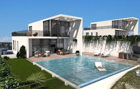 Coastal houses for sale in Benidorm. 4 Bedroom Villa with basement and private pool in Finestrat
