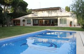 Luxury 4 bedroom houses for sale in Catalonia. Villa – S'Agaró, Catalonia, Spain