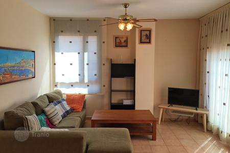 Coastal residential for sale in Catalonia. Apartment with 3 bedrooms and a terrace near the beach in Lloret de Mar, Fenals area