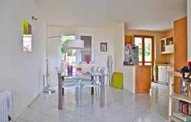 Cheap 2 bedroom apartments for sale in France. Apartment with terraces, a garden and a sea view, close to the beach, Eze, France