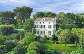5 bedroom houses for sale in Antibes. Cap d'Antibes — Splendid Bourgeois-style property