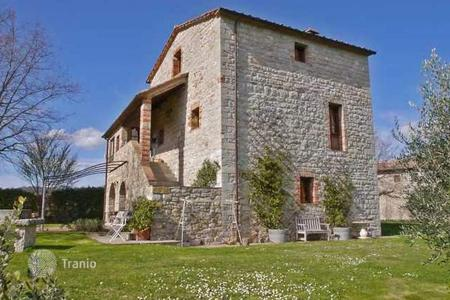 3 bedroom houses for sale in Castelnuovo Berardenga. Villa – Castelnuovo Berardenga, Tuscany, Italy