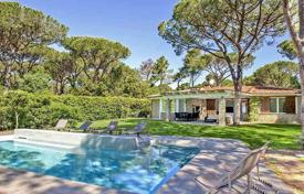 5 bedroom villas and houses by the sea to rent in Italy. Villa – Roccamare, Tuscany, Italy
