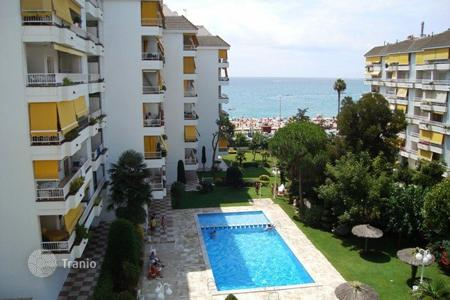 Cheap apartments with pools for sale in Catalonia. Apartment – Lloret de Mar, Catalonia, Spain