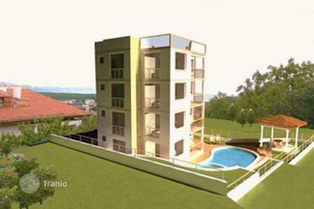 Apartments with pools for sale in Dobrich Region. Apartment – Kranevo, Dobrich Region, Bulgaria