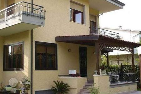 4 bedroom apartments for sale in Tuscany. Apartment - Pietrasanta, Tuscany, Italy