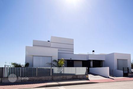 Houses for sale in Dolores. Luxury complex of detached villas in Dolores, Alicante