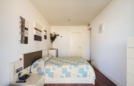 4 bedroom apartments by the sea for sale in Barcelona. Seafront condo in Diagonal Mar, Barcelona