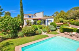 Property for sale in Valbonne. Villa – Valbonne, Côte d'Azur (French Riviera), France