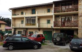 Cheap houses for sale in Northern Spain. Villa – Cantabria, Spain