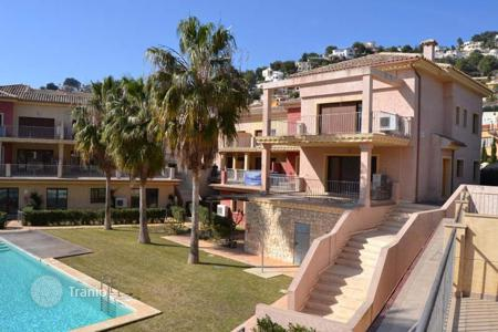 Cheap 1 bedroom apartments for sale in Benissa. Sizable apartments of 1 and 2 bedrooms in a complex equipped with pool and gardens in Benissa