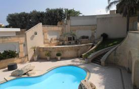 4 bedroom houses for sale in Malta. A fully detached villa in San Pawl, enjoying beautiful country views