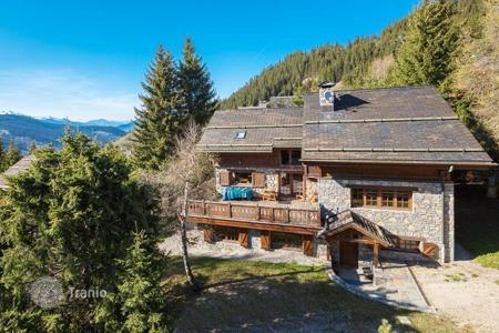 Luxury 6 bedroom houses for sale in French Alps. Villa – Meribel, Auvergne-Rhône-Alpes, France