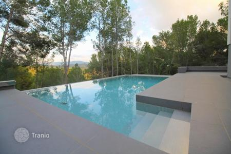 6 bedroom houses for sale in Majorca (Mallorca). Villa – Peguera, Balearic Islands, Spain