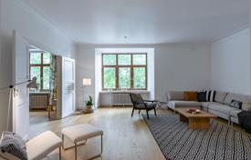Property for sale in Finland. Luxury apartment with a sauna, a balcony and a view of the courtyard, Helsinki, Finland