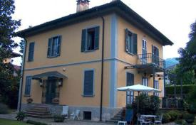 6 bedroom houses by the sea for sale in Italy. Villa – Piedmont, Italy