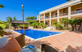 5 bedroom houses for sale in Faro. Colonial style villa with a pool, a balcony and a pergola, Quinta do Lago, Portugal