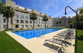 Apartments with pools for sale in Marbella. Apartment for sale in La Corniche, Nueva Andalucia