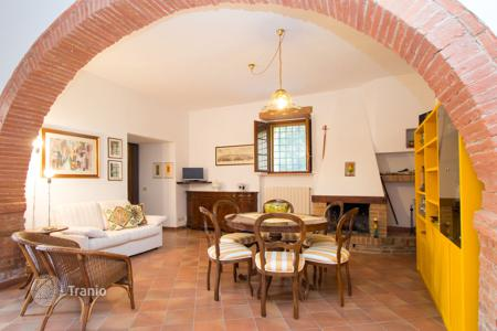 Property for sale in San Giovanni D'asso. Agricultural – San Giovanni D'asso, Tuscany, Italy
