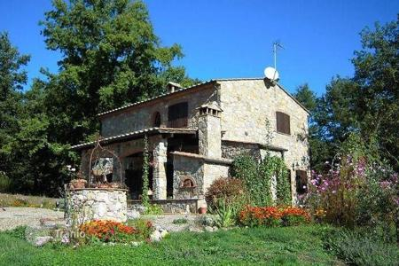 Residential for sale in Montieri. Villa - Montieri, Tuscany, Italy