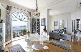 Magnificent apartment with panoramic views of the port in Beaulieu-sur-Mer, Côte d'Azur, France for 3,600,000 €