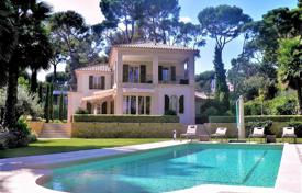 5 bedroom houses for sale in Antibes. Villa for sale — Cap d'Antibes, east side