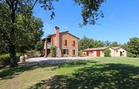 Houses for sale in Torrita di Siena. Estate complex in panoramic location for sale in Tuscany