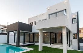 Luxury villa with a private garden, a swimming pool, a parking and terraces, Mijas, Spain for 698,000 €