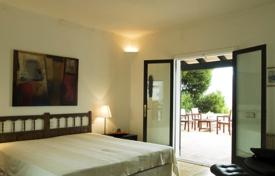3 bedroom villas and houses to rent in Majorca (Mallorca). Villa – Cala D'or, Balearic Islands, Spain