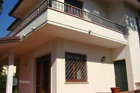 3 bedroom houses for sale in Lucca. Villa – Pietrasanta, Tuscany, Italy