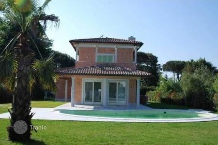 Luxury residential for sale in Pietrasanta. Villa – Pietrasanta, Tuscany, Italy