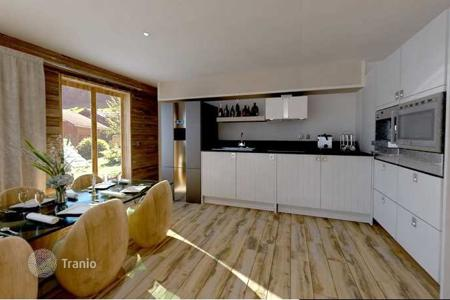 New homes for sale in French Alps. Three-room apartment with terrace in new building in the ski resort of Morzine, Haute-Savoie, France
