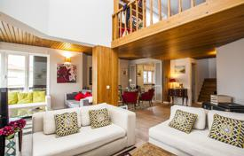 Residential for sale in Lisbon. Penthouse in Monte Estoril in Cascais, Portugal