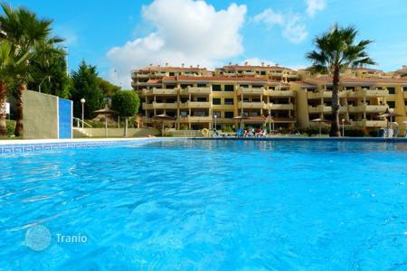 Cheap property for sale in Dehesa de Campoamor. 2 bedroom apartment with communal pool and golf views in Orihuela Costa