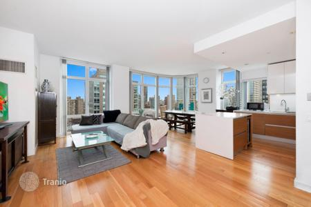 Apartments for rent with swimming pools in Manhattan. 555 West 59th Street #26E
