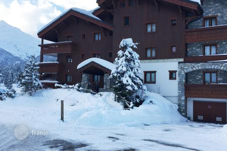 Cheap 3 bedroom apartments for sale in Auvergne-Rhône-Alpes. Apartment – Meribel, Auvergne-Rhône-Alpes, France