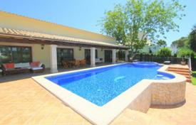Designer villa with a private garden, a swimming pool, a Jacuzzi and a parking, Palmanova, Spain for 2,500,000 €