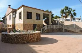 Foreclosed 3 bedroom houses for sale in Spain. Villa – Torrevieja, Valencia, Spain