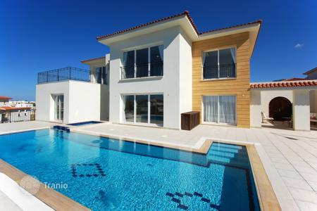 Houses with pools for sale in Esentepe. Villa – Esentepe, Kyrenia, Cyprus