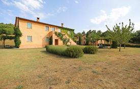Houses with pools for sale in Siena. Villa – San Casciano dei Bagni, Tuscany, Italy