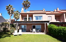 Townhouses for sale in Andalusia. Beachside Corner Townhouse? Playa Azul — Estepona
