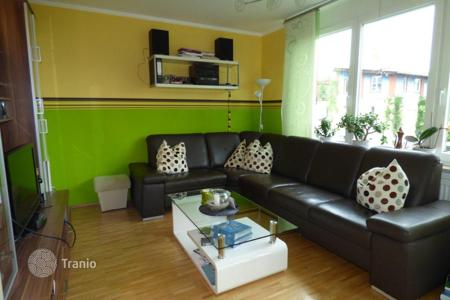 Apartments for sale in Bavaria. 5-room apartment with balcony, Riem, Munich