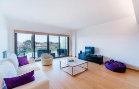 Apartments with pools for sale in Cascais. Apartments in a modern complex close to the ocean, in the center of Cascais, Portugal