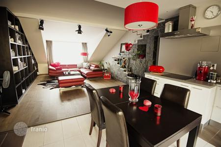 2 bedroom apartments for sale in Prague. Two-level apartment with a roof-top terrace, in a guarded residence, near a metro stop, Prague 9, Czech Republic