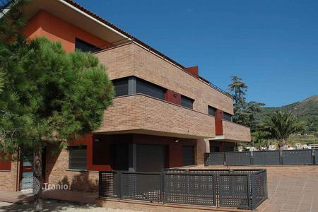 Property for sale in Teià. Terraced house – Teià, Catalonia, Spain